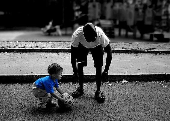Выбор футбольного мяча для детей